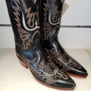 New Lucchese L4552 5 Toe Black Calf Cowgirl Boot